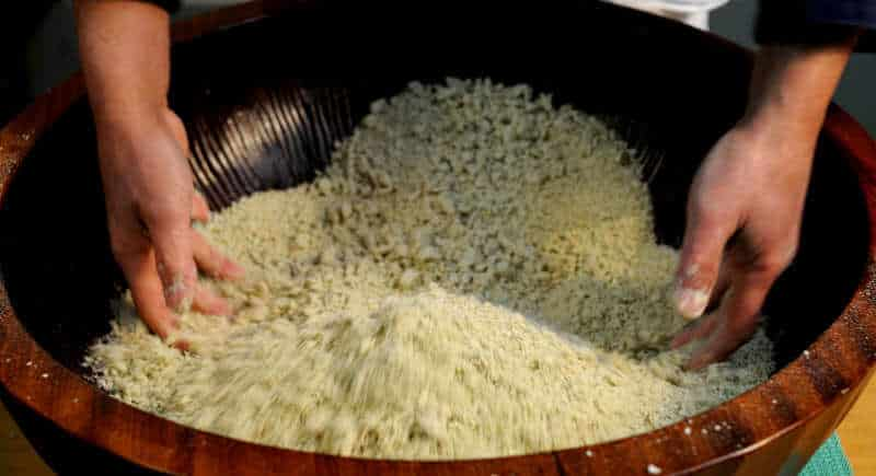 hand-making noodle
