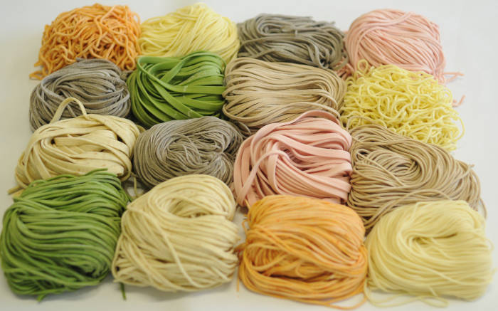multi-ingredient ramen noodles