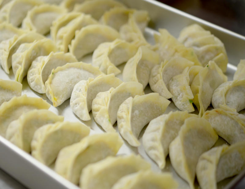 make gyoza on a ramen machine