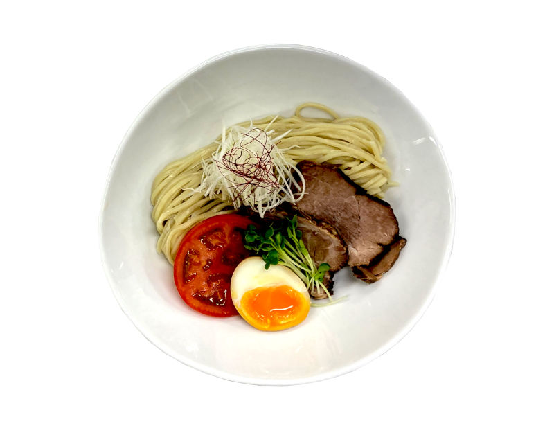 making tsukemen on a noodle machine